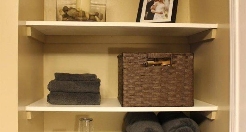 Adorable Small Bathroom Shelf Decorating Ideas