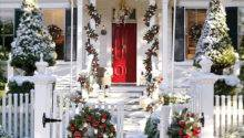 Amazing Front Porch Christmas Decorating Ideas