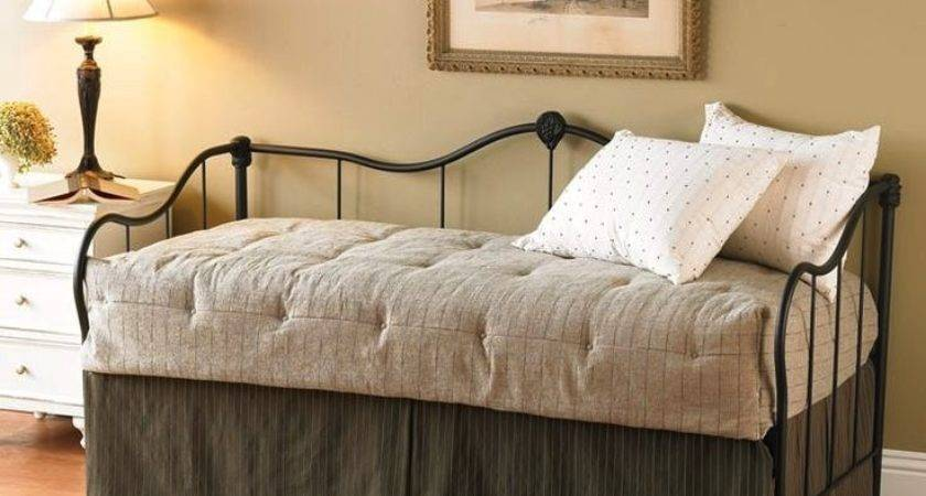 Beds Look Like Couches Teacherontwowheels
