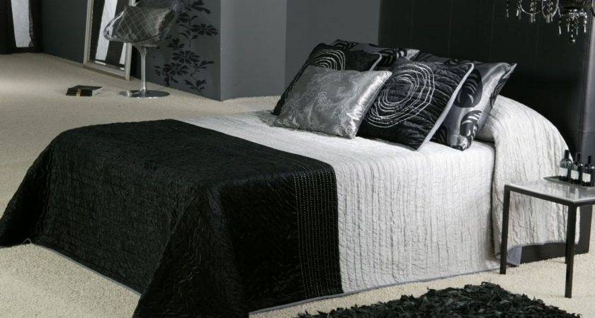 Black White Gothic Bedroom Ideas Decobizz