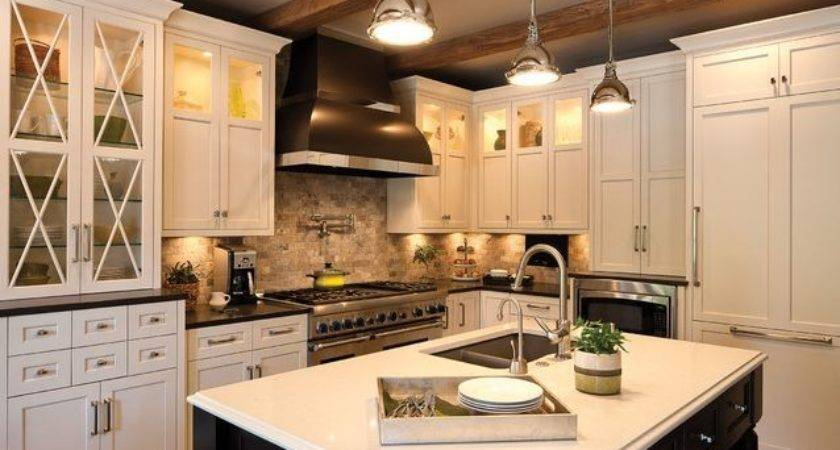 Black White Traditional Styled Kitchen Clean