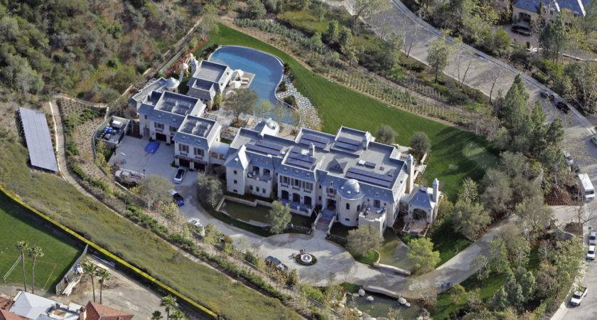 Celebrity Homes Blow Your Mind Photos