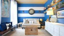 Create Modern Living Room Striped Walls