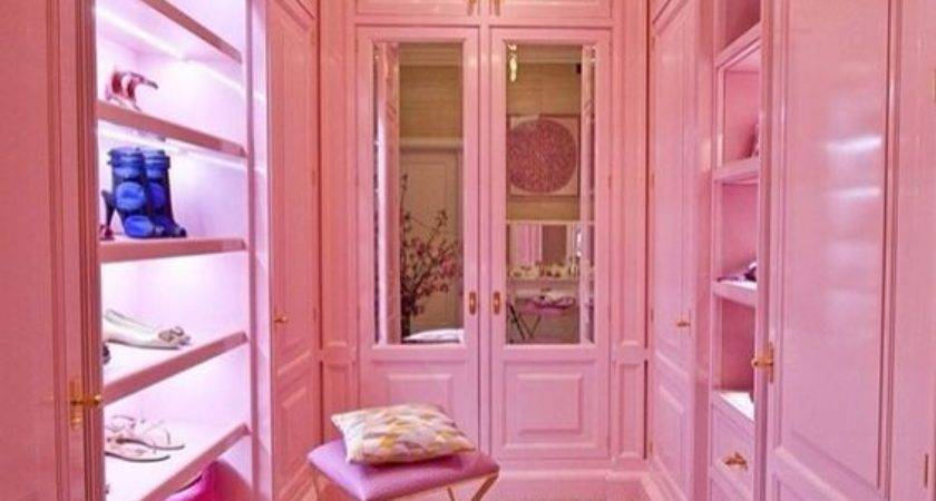 Dazzling Pink Interiors Have Daily Dream Decor