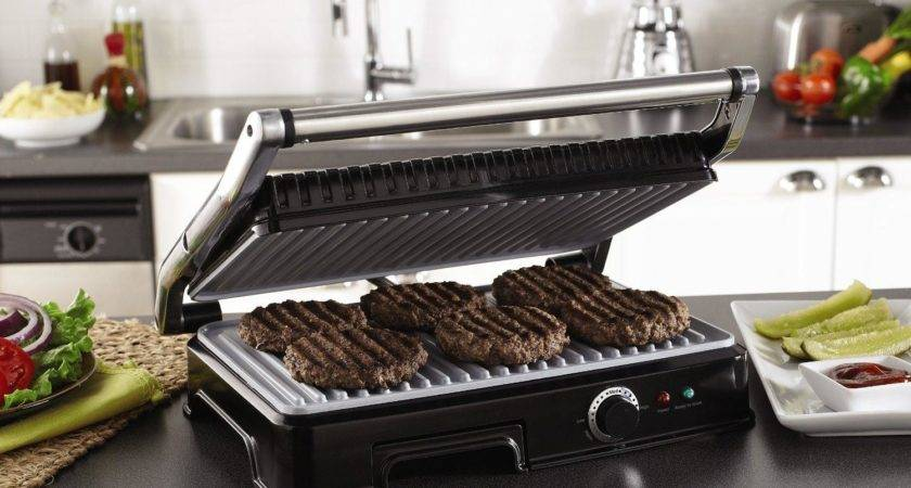 Extra Large Grilling Surface Accommodates Meals