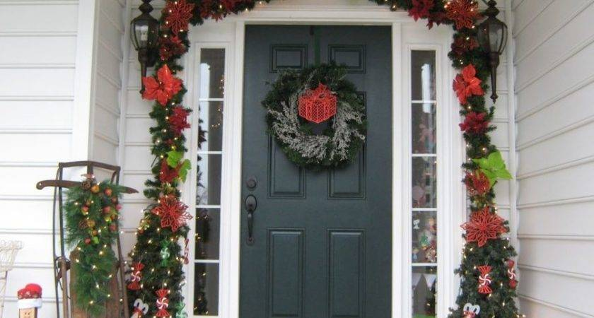 Finding Out Different Front Yard Christmas Decoration Ideas