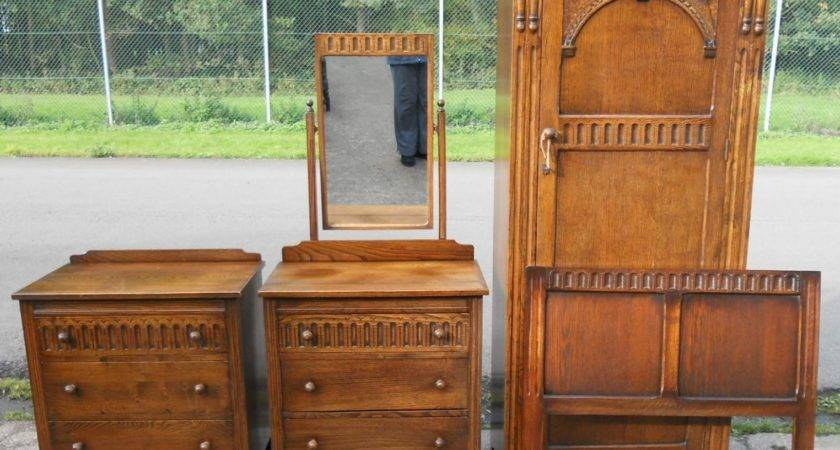 Four Piece Small Oak Reproduction Bedroom Suite Sold
