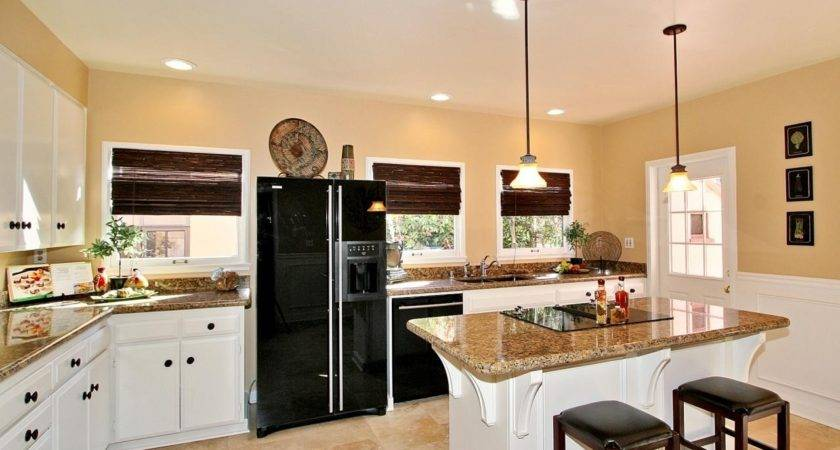 Home Design Small Eat Kitchen Decorating Pertaining
