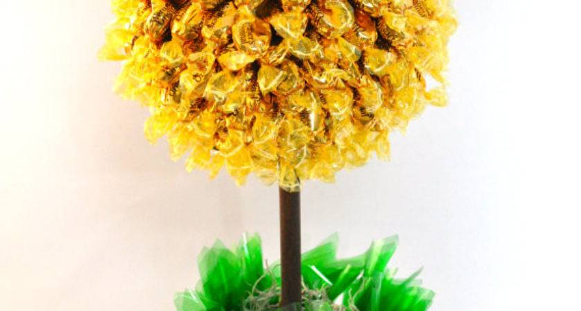 Items Similar Topiary Tree Candy Bouquet Etsy