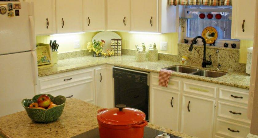 Make Your Kitchen Shiny Granite Counter Tops Decor