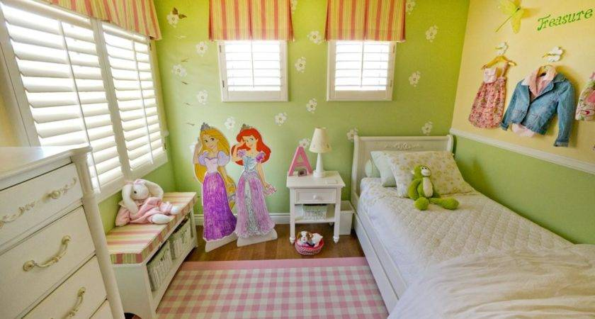 Multifunctional Little Girl Room Small Space