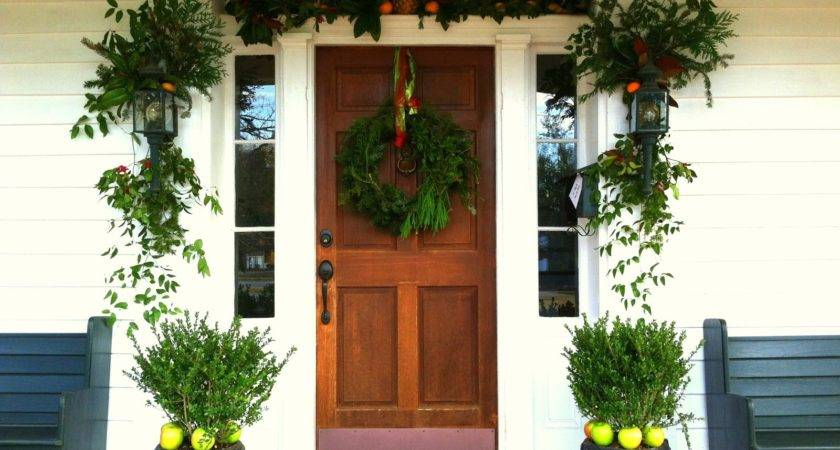 Old Post Road Southern Front Door Christmas