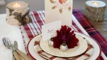 Place Settings Essential Christmas Decorations