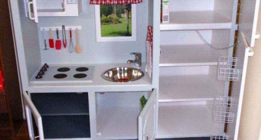 Rookie Moms Build Your Toddler Play Kitchen Less