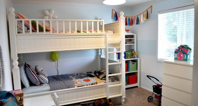 Suburbs Mama New Shared Kids Room Tour