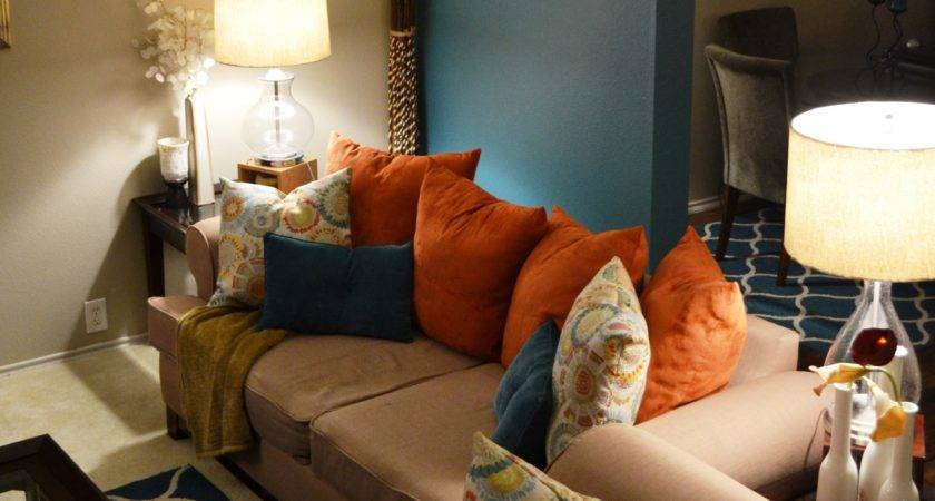 Teal Living Room Accents