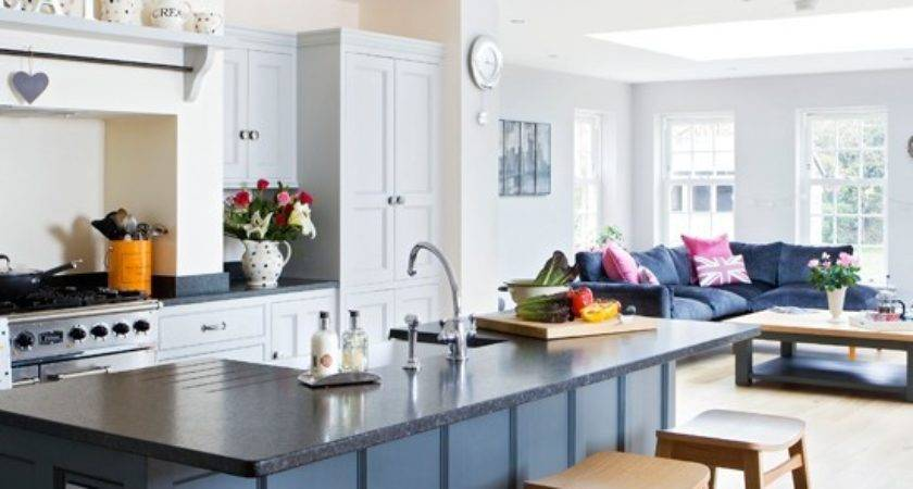 Traditional Painted Open Plan Kitchen Housetohome